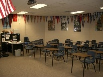 512px-Walton_High_School_New_Classroom