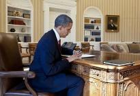 512px-Barack_Obama_signs_Executive_Order