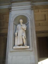 Niccolò Macchiavelli statue by Lorenzo Bartolini, Uffizi, Florence