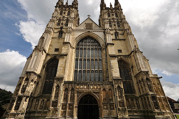 """""""Canterbury Cathedral 002"""" by Nilfanion - Own work. Licensed under CC BY-SA 4.0 via Wikimedia Commons."""