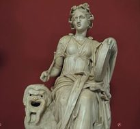 Statue of Melpomene, Muse of Tragedy, found at the Villa of Cassius at Tivoli, Hadrianic period (AD 117-138), Vatican Museums. Photo by Carole Raddato from Frankfurt, Germany.  Uploaded by Marcus Cyron, CC BY-SA 2.0.